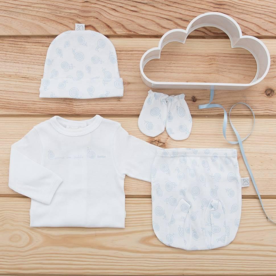 Pack recién nacido de primera puesta de bebé compuesta de camiseta con ranita con caracoles de color azul estampado con gorrito