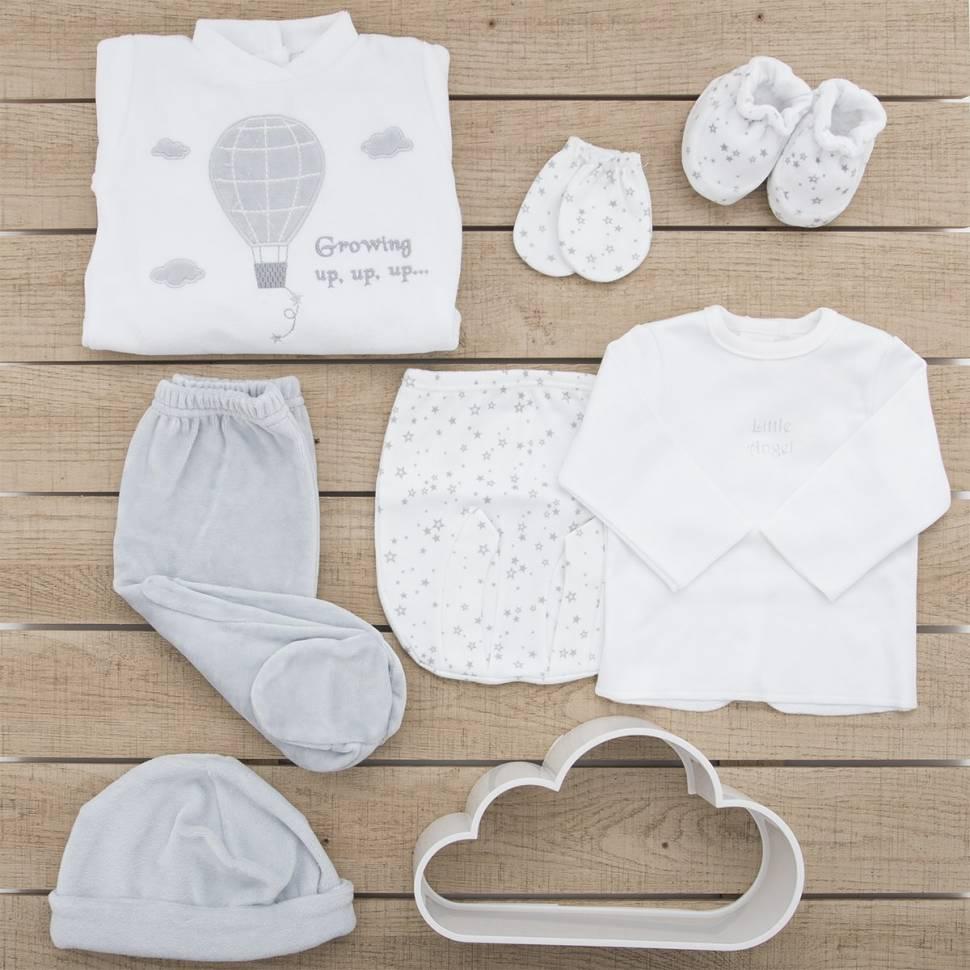 Pack recién nacido de primera puesta para bebé de camiseta y ranita estampadas gris con manoplas, gorro y patucos a juego.