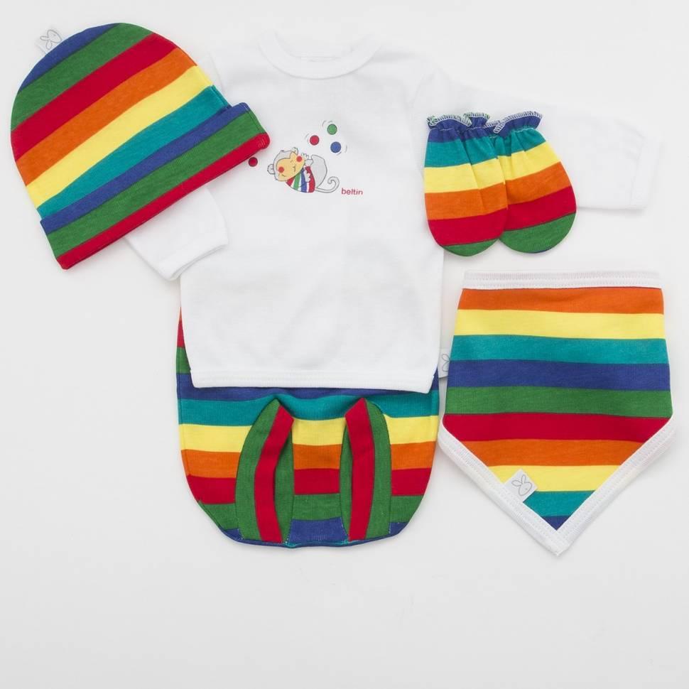 Pack recién nacido de primera puesta para bebé estampada en vivos colores con manoplas, gorrito y bandana a juego.