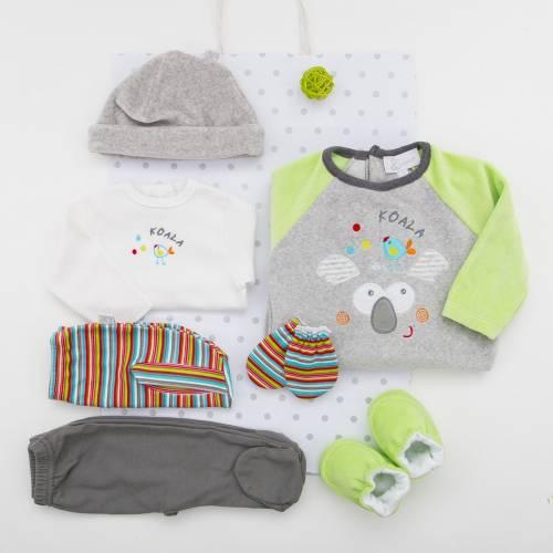 Pack KOALA para bebés. Pijama, primera puesta con ranita y pantalón, gorro y patucos de terciopelo y manoplas en algodón + bolsa