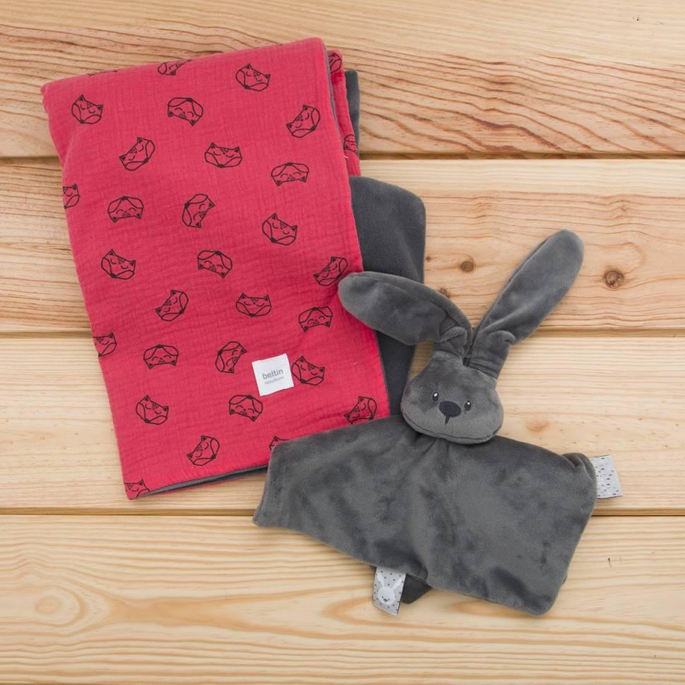 Pack de muselina modelo zorro rojo y doudou conejo gris.