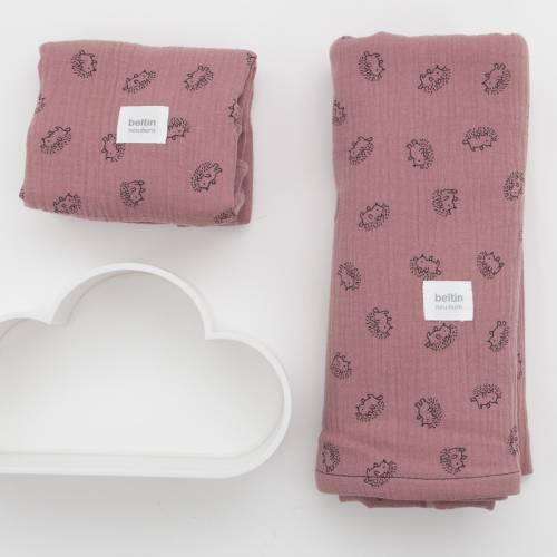 Pack de muselina maxi de 125x125 cms. y otra mini de 60x60 cms. modelo erizos en color rosa palo de 100% algodón