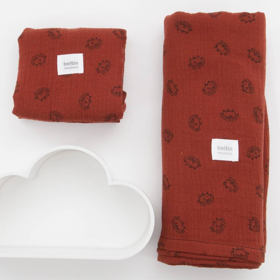 Pack de muselina maxi de 125x125 cms. y otra mini de 60x60 cms. modelo erizos en color teja de 100% algodón