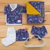 Pack recién nacido de primera puesta para bebé con camiseta cruzada, pantalón, gorrito, bandana y arrullo modelo Memo