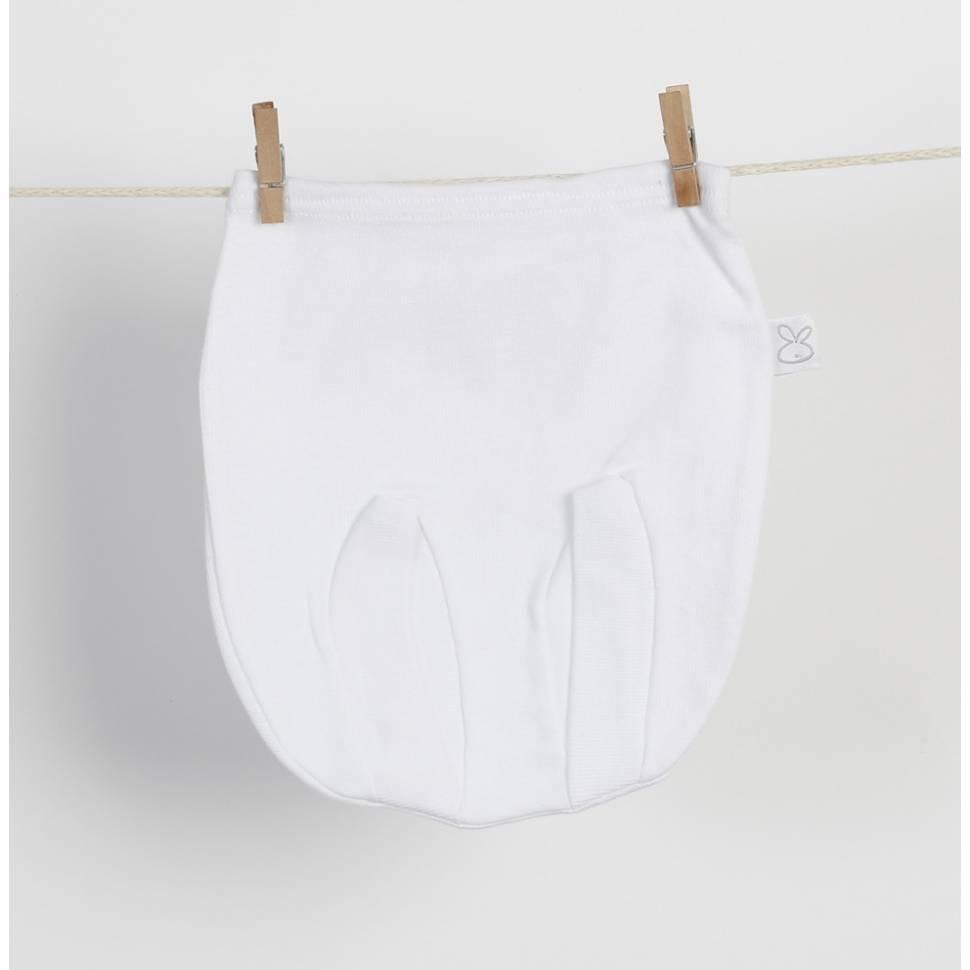 Ranita cubre pañal de bebé prematuro en color blanco de beltin newborn.